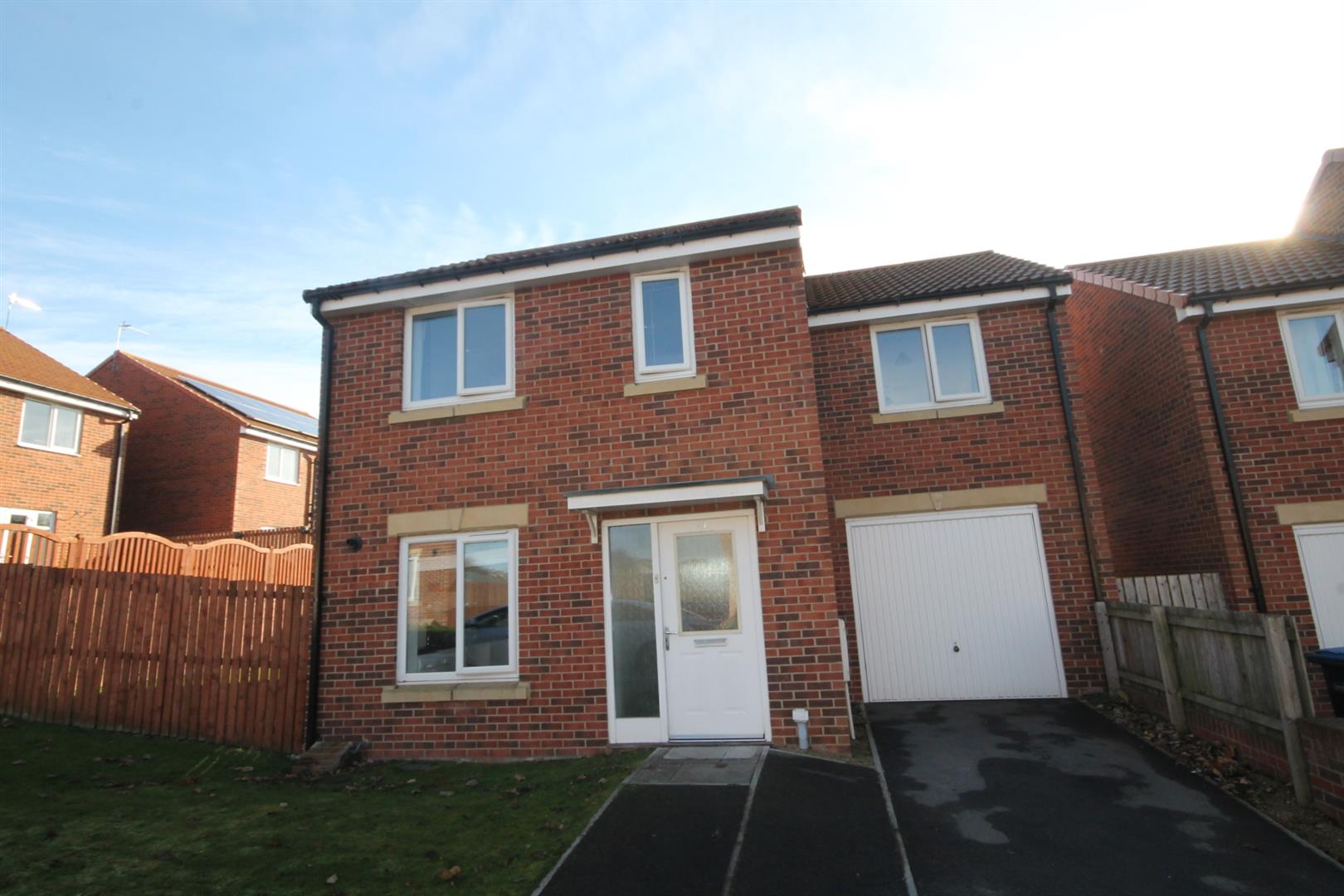 3 Bedrooms Detached House for sale in Woodside Meadows, Auckland Park, Bishop Auckland